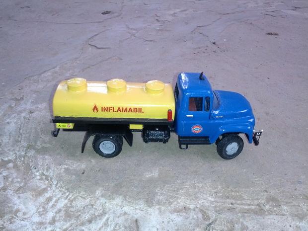 in 3D xe tải thập niên 1960